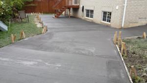 Drying of concrete – backyard walkway
